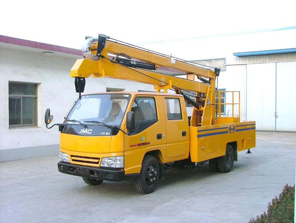 车载折臂式高空作业车